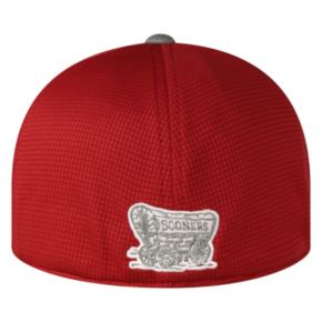 Adult Top of the World Oklahoma Sooners Booster Plus One-Fit Cap