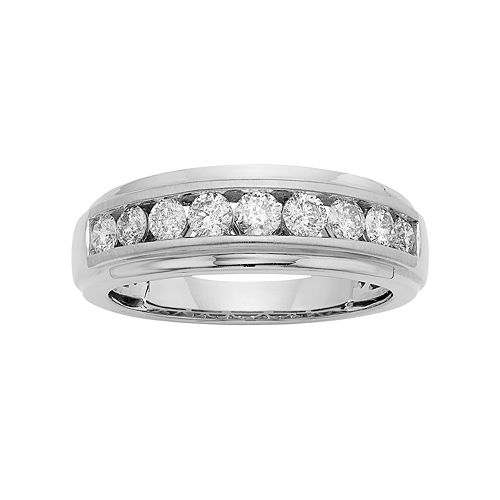 Men's 14k Gold IGL Certified 1 Carat T.W. Diamond Wedding Band