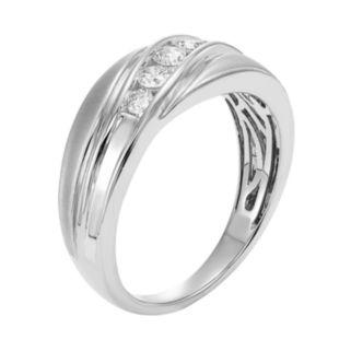 Men's 14k Gold IGL Certified 1/2 Carat T.W. Diamond Wedding Band