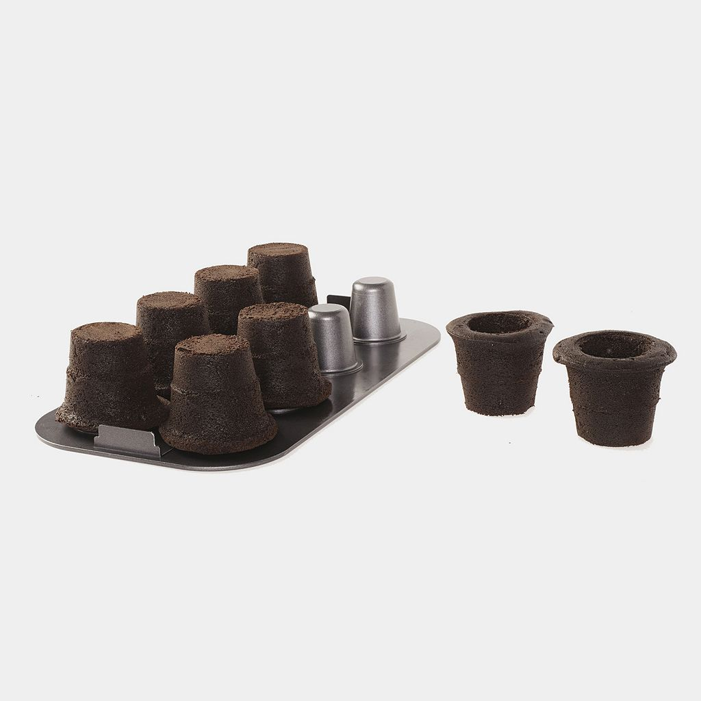 Baker's Advantage Fillable 8-Cup Cake Cone Pan