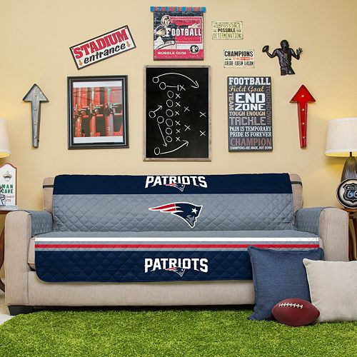 England Patriots Quilted Sofa Cover