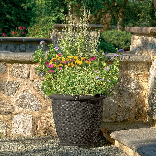 "Suncast Herringbone 18"" Planter 2-piece Set"