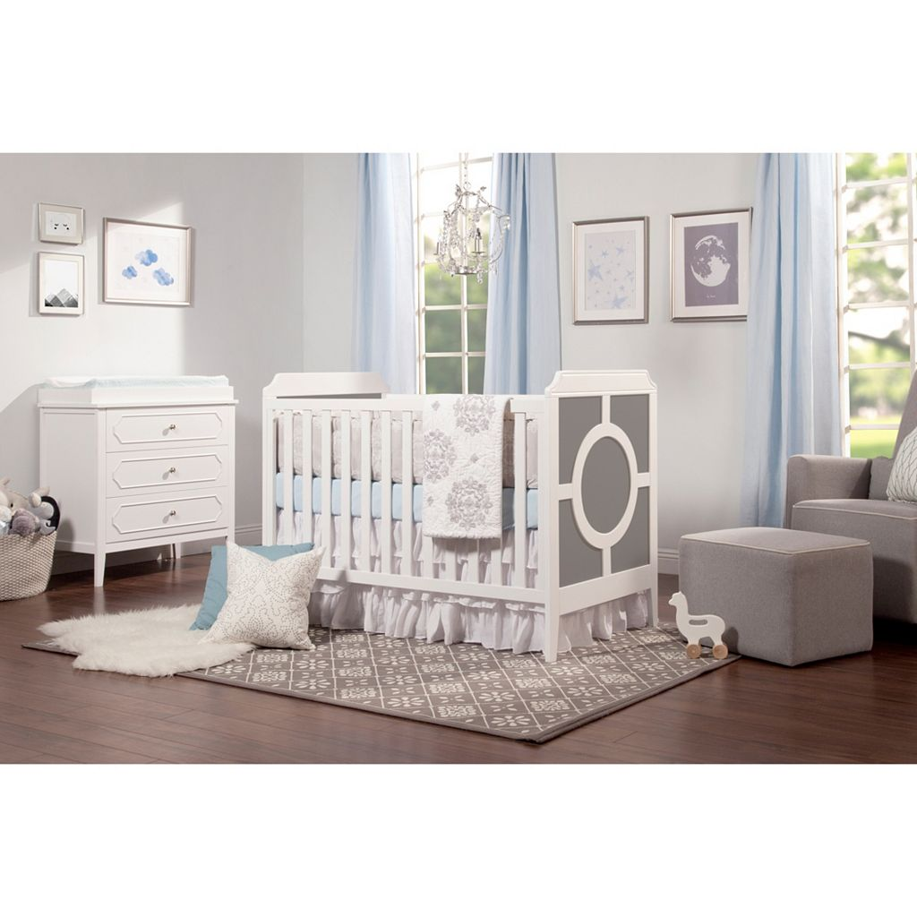 DaVinci Poppy Regency 3-in-1 Convertible Crib