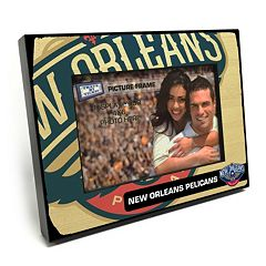 New Orleans Pelicans 4' x 6' Wooden Frame