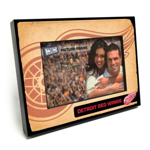 "Detroit Red Wings Vintage 4"" x 6"" Wooden Frame"