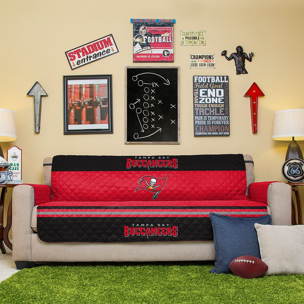 Tampa Bay Buccaneers Quilted Sofa Cover
