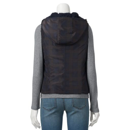 Juniors' Coffee Shop Plaid Plush Reversible Vest