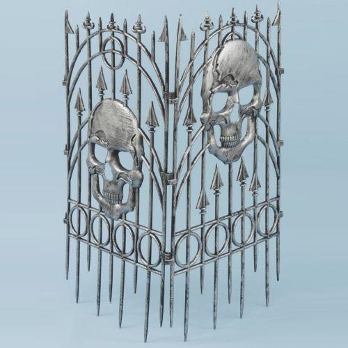 Indoor / Outdoor Skull Fence