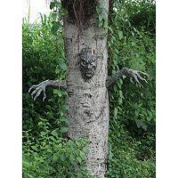 Spooky Living Tree Halloween Décor