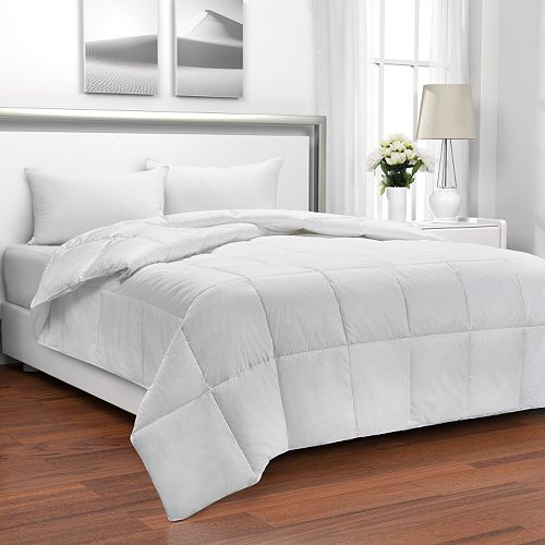 Living Comfortably 600 Thread Count Level 2 European Duck Down Comforter