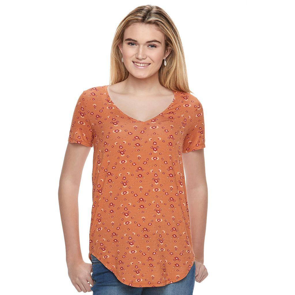 Juniors' Mudd® Short Sleeve V-Neck Tee