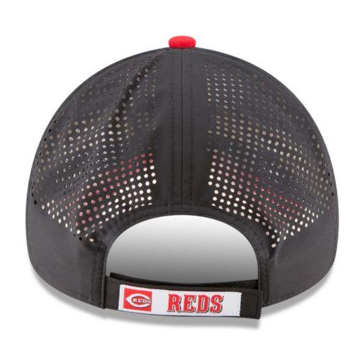 Adult New Era Cincinnati Reds 9FORTY Perf Pivot Adjustable Cap