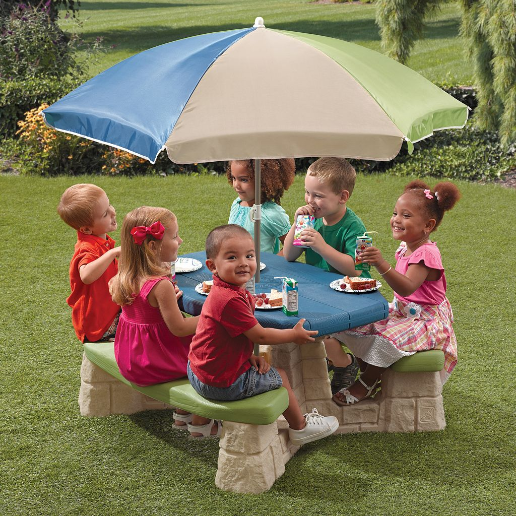 Step2 Naturally Playful Picnic Table with Umbrella