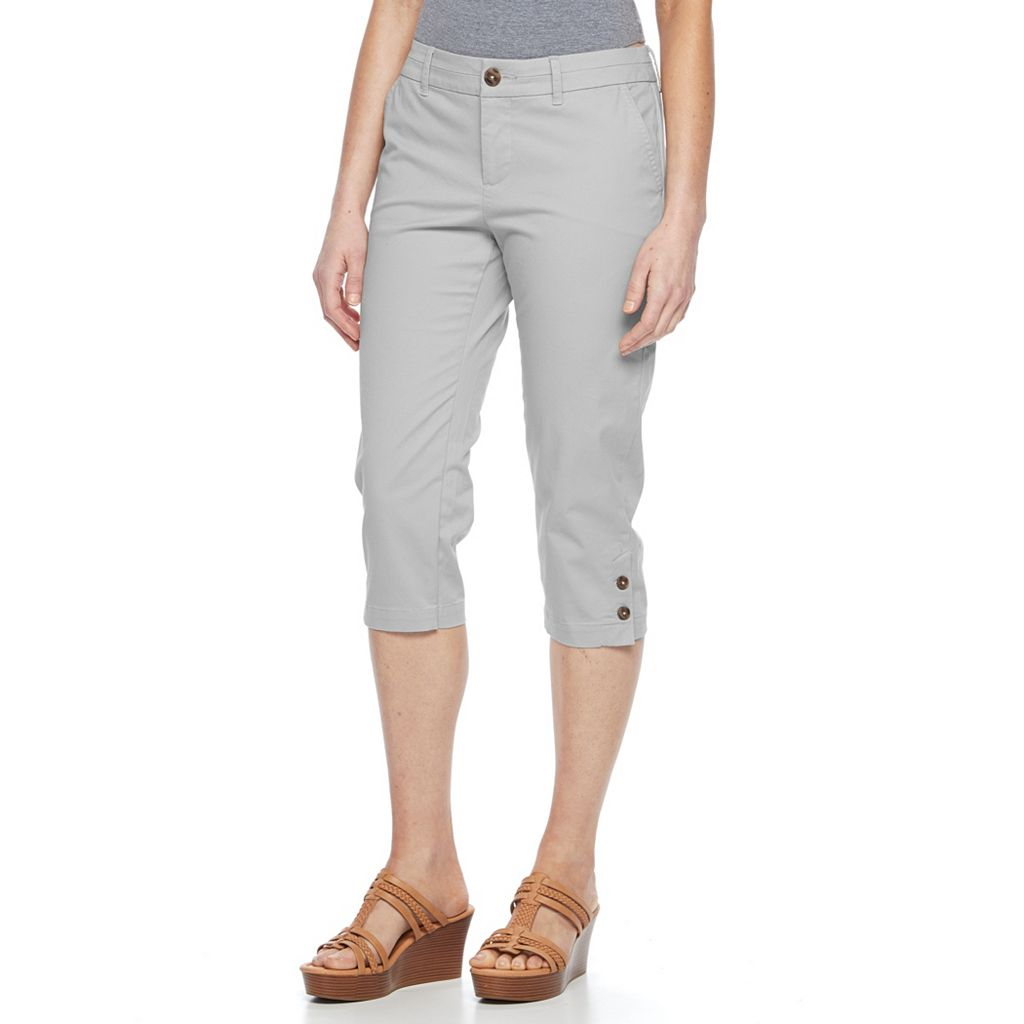 Petite Croft & Barrow® Essential Button-Hem Twill Capris