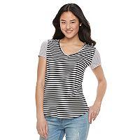 Juniors' SO® Short Sleeve V-Neck Tee