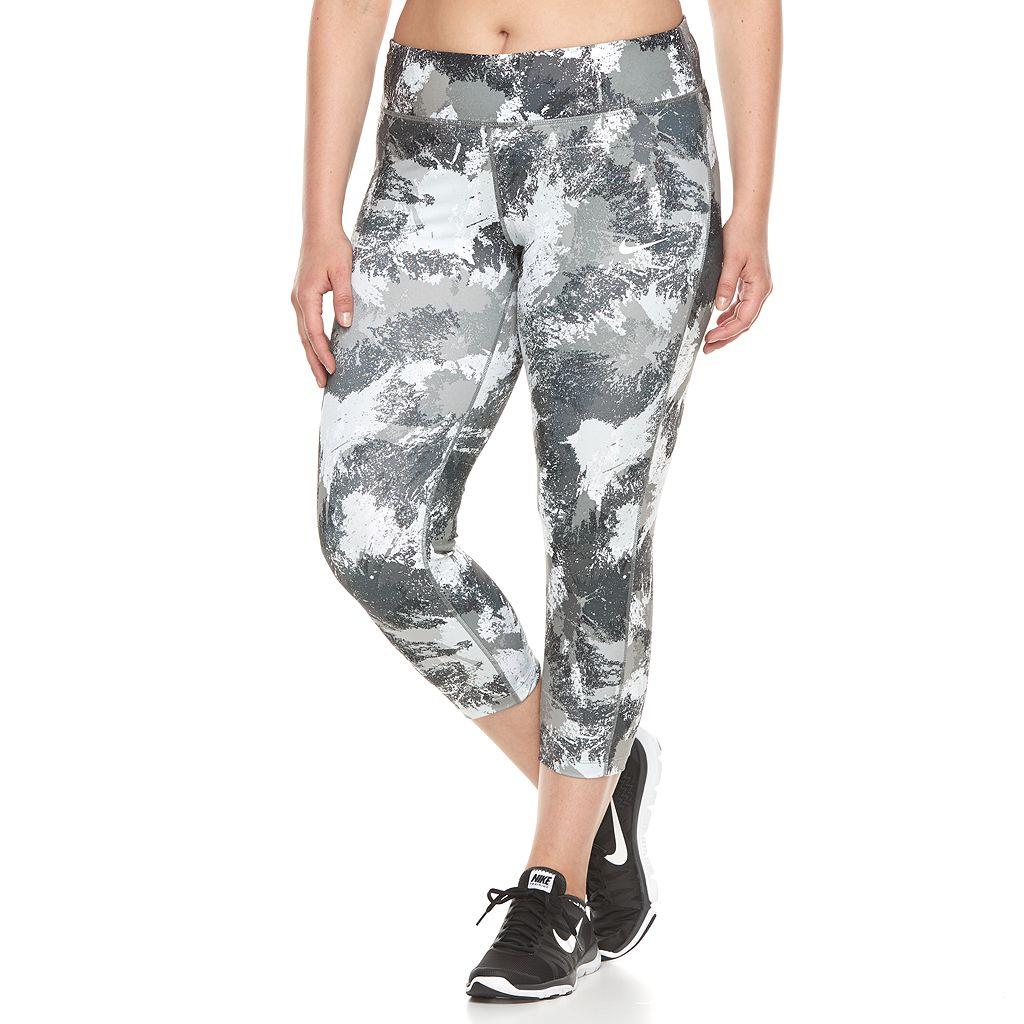 Plus Size Nike Essential Running Crop Leggings