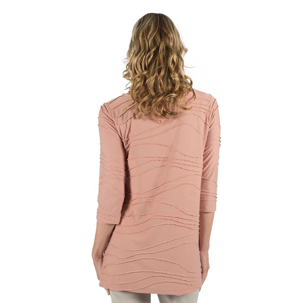 Women's Larry Levine Wavy Jacquard Top