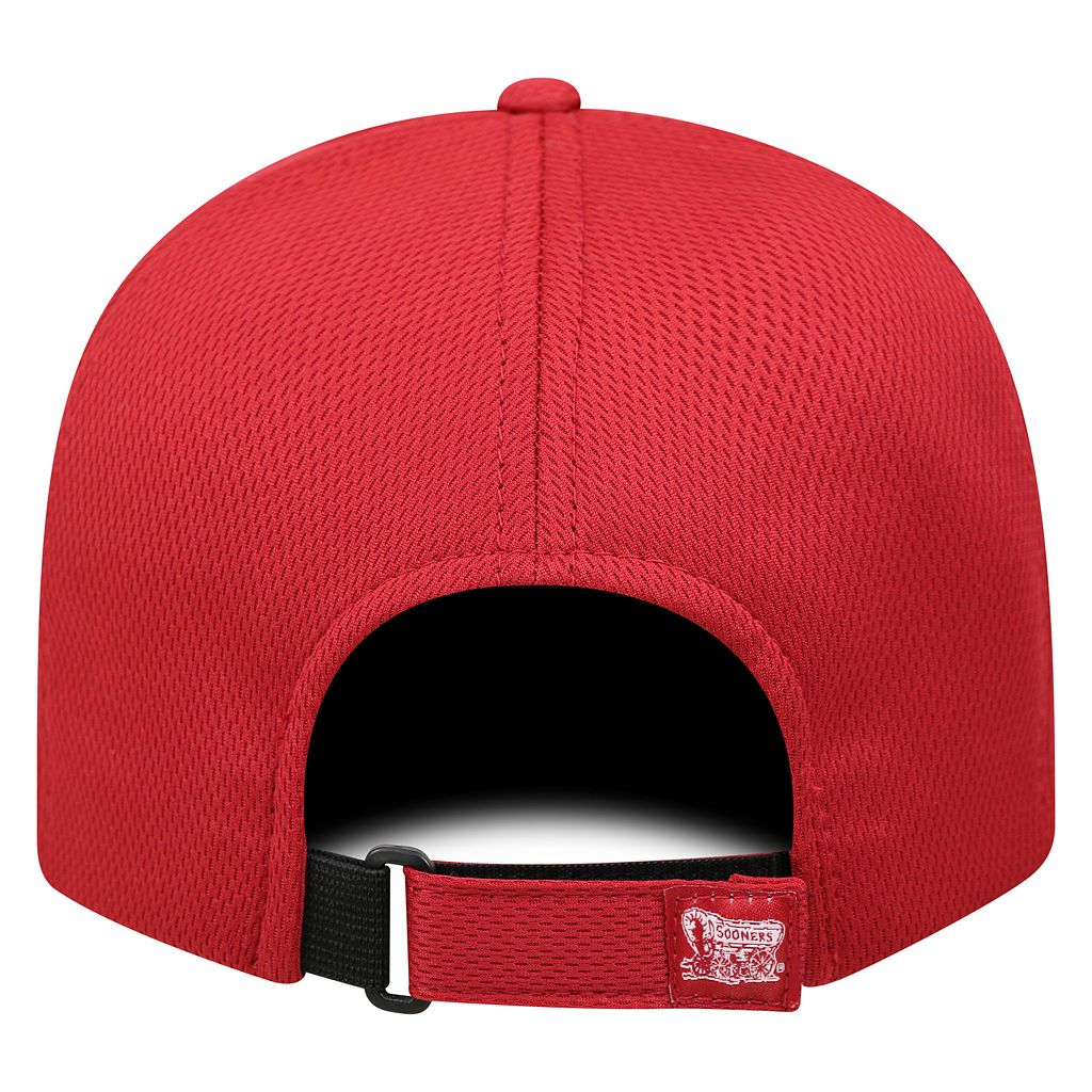 Adult Top of the World Oklahoma Sooners Pursue Adjustable Cap