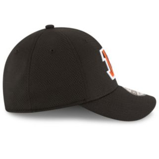 Adult New Era Cincinnati Bengals 39THIRTY Sideline Tech Fitted Cap