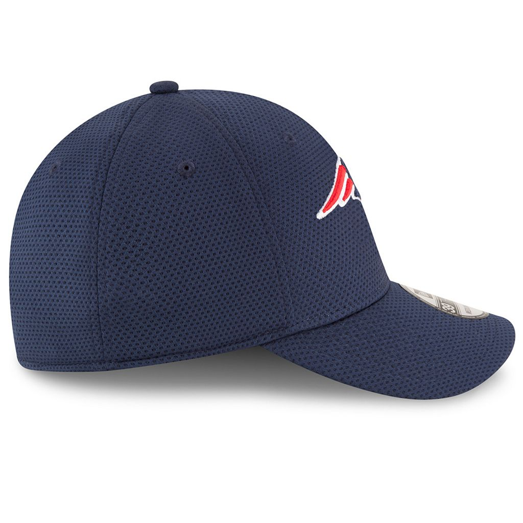 Adult New Era New England Patriots 39THIRTY Sideline Tech Fitted Cap