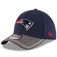 Youth New Era New England Patriots 39THIRTY Training Camp Fitted Cap