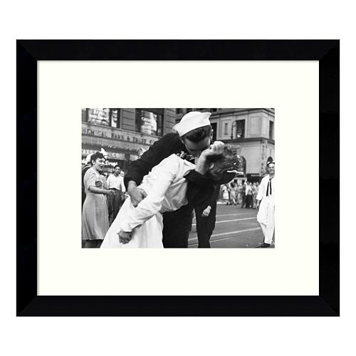 Kissing the War Goodbye in Times Square 1945 I Framed Wall Art