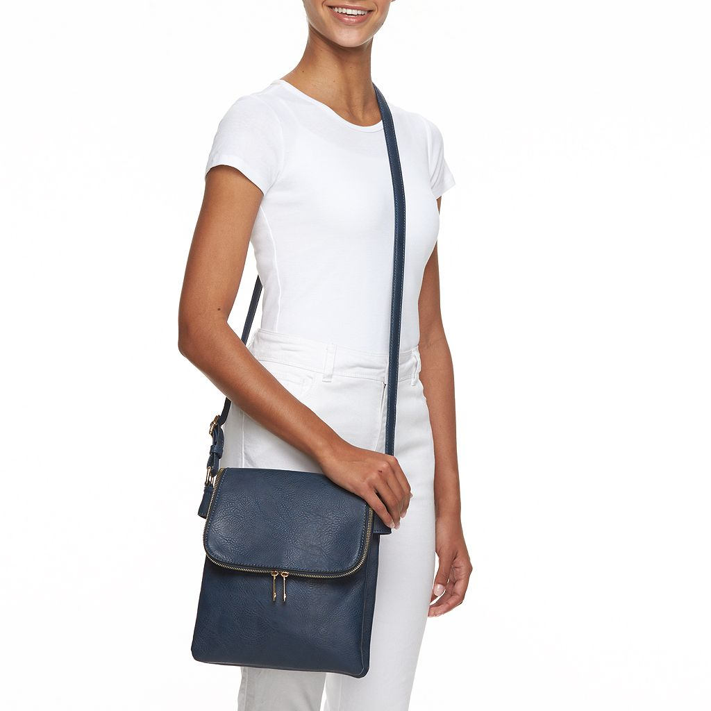 Match any outfit with this Deluxity Marjorie satchel and wallet set.