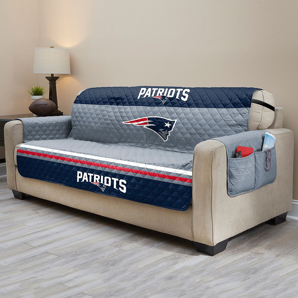 New England Patriots Quilted Sofa Cover