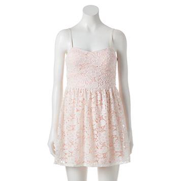 Juniors' Lily Rose Lace Sweetheart Dress