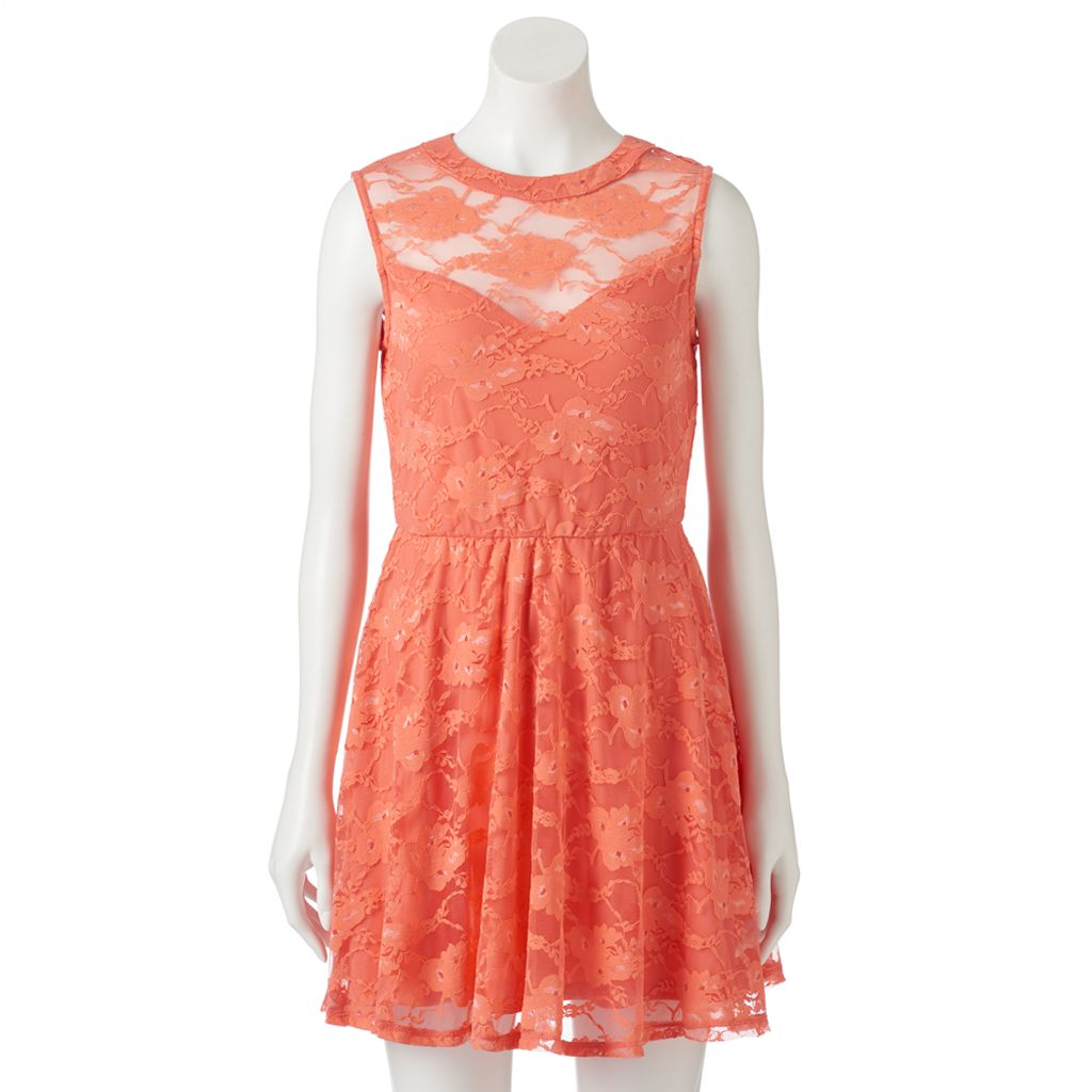 Juniors' Lily Rose Sweetheart Illusion Lace Dress