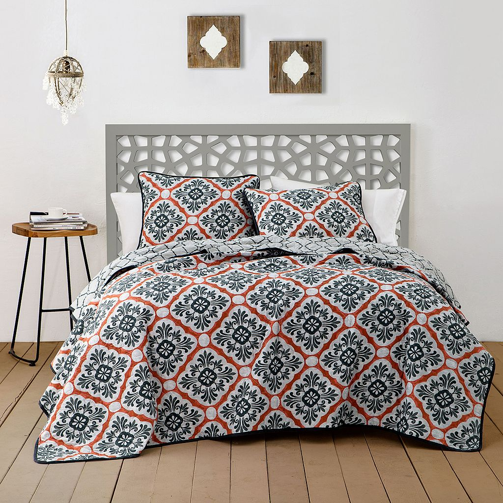 Avondale Manor 3-piece Delmara Quilt Set