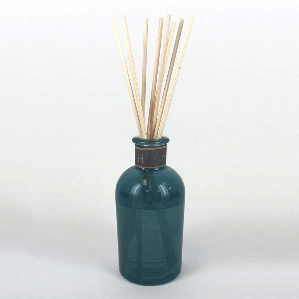 Hawkwood Blue Spruce & Patchouli Reed Diffuser 11-piece Set