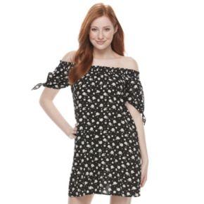 Juniors' Almost Famous Floral Off-The-Shoulder Dress