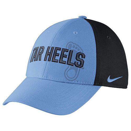 Adult Nike North Carolina Tar Heels Mesh Dri-FIT Flex Cap