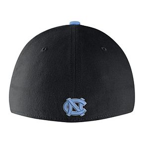 Adult Nike North Carolina Tar Heels Mesh Dri-FIT Flex Cap