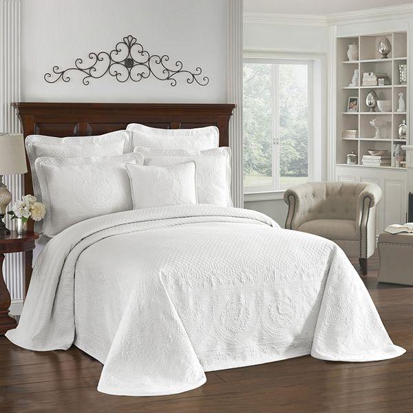 Historic Charleston Charles Matelassé Bedspread - White (KING)