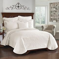 Historic Charleston Charles Matelassé Coverlet