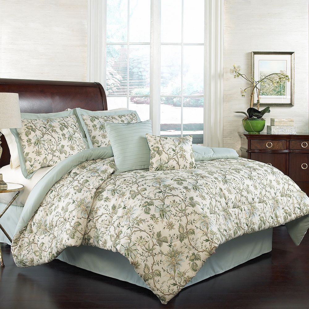 Traditions by Waverly 4-piece Felicite Comforter Set