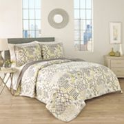 Traditions by Waverly 3 pc Set In Spring Quilt Set
