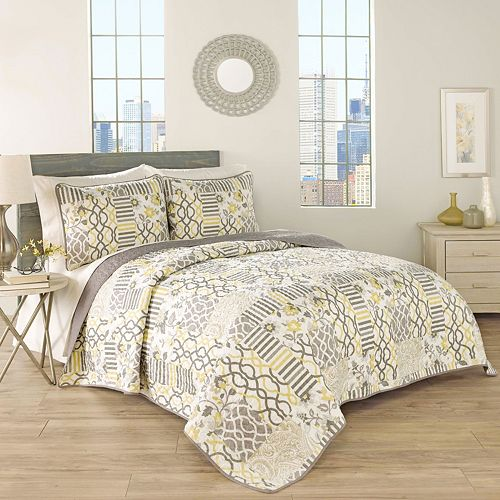 Traditions by Waverly 3-piece Set In Spring Quilt Set