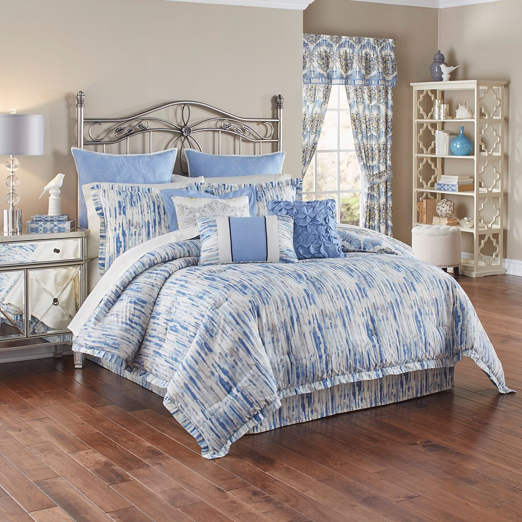 Waverly 4-piece Over The Moon Comforter Set