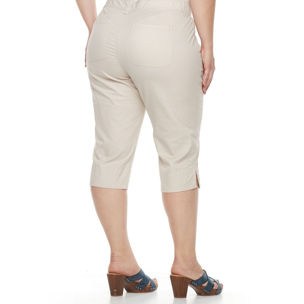 Plus Size Gloria Vanderbilt Alicia Embroidered Capris