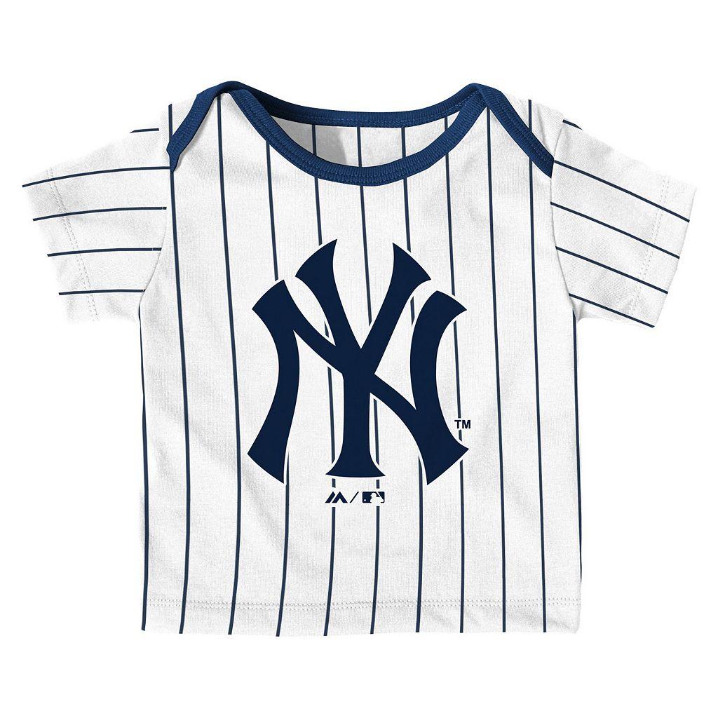 Baby Majestic New York Yankees Uniform Set