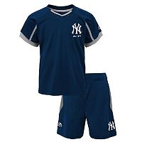 Toddler Majestic New York Yankees Legacy Tee & Shorts Set