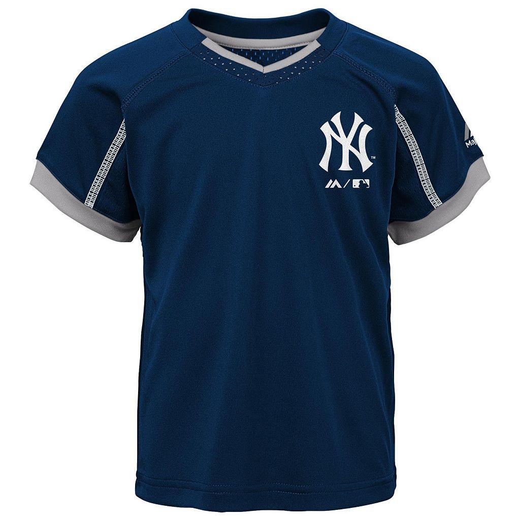 Toddler Majestic New York Yankees Legacy Tee & Shorts Set