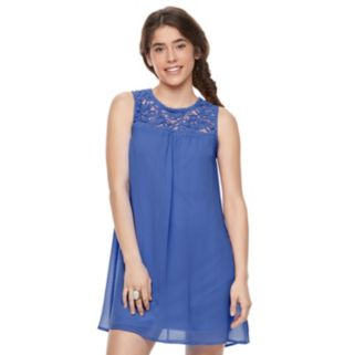 Juniors' Lily Rose Lace-Yoke Shift Dress