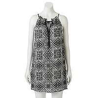 Juniors' Speechless Medallion Tie-Neck Shift Dress