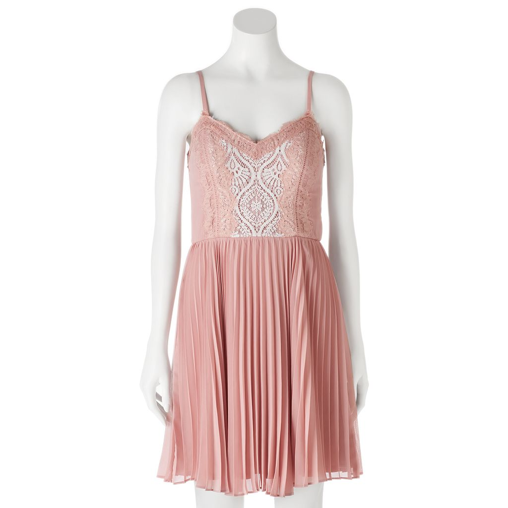 Juniors' Lily Rose Pleated Sweetheart Lace Dress