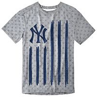 Men's New York Yankees Big Logo Flag Tee