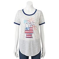 Juniors' Peanuts Snoopy Patriotic Graphic Tee